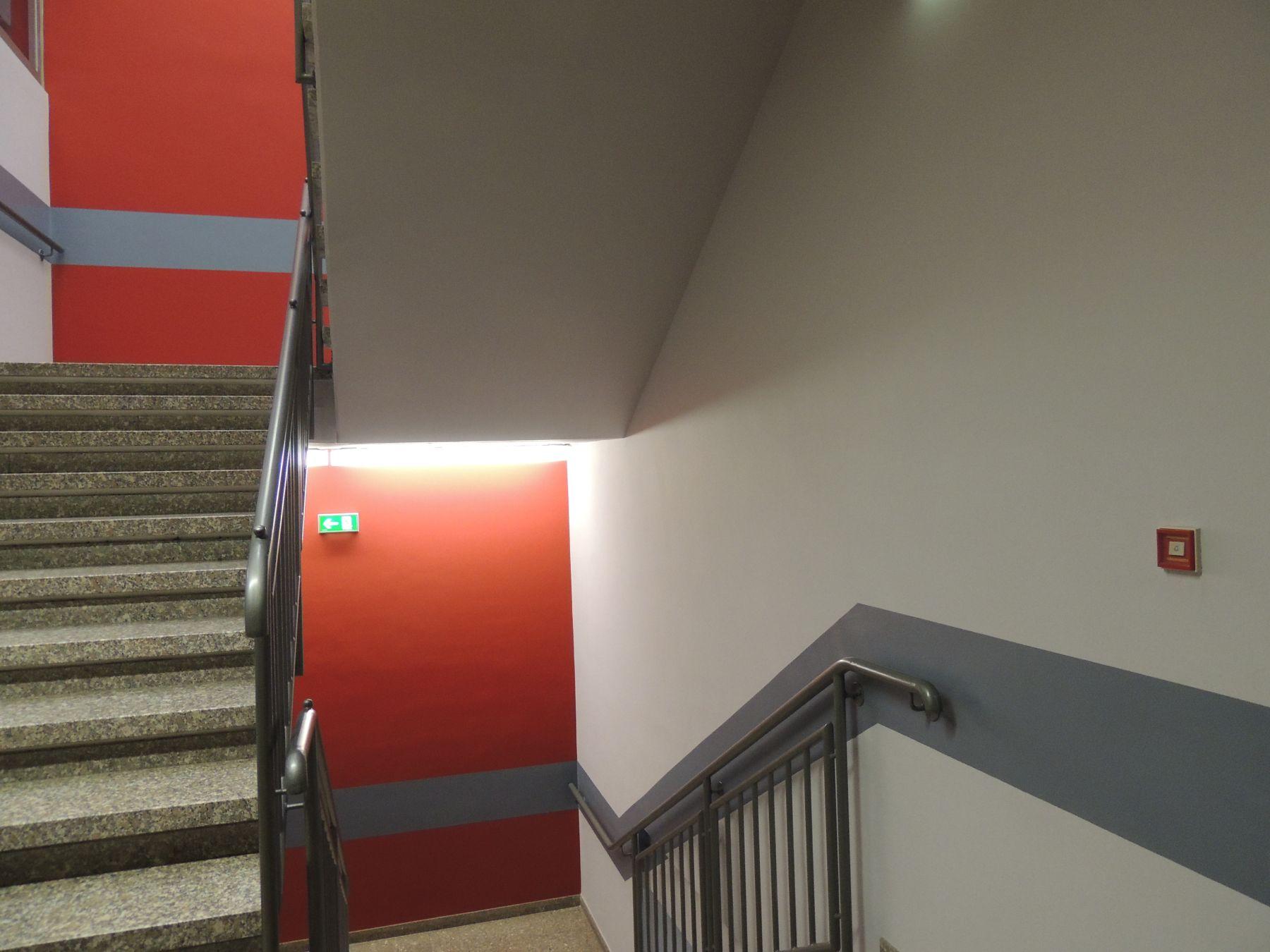 Elegant Treppenhaus With Treppenhaus. Wandfarbe Treppenhaus ...